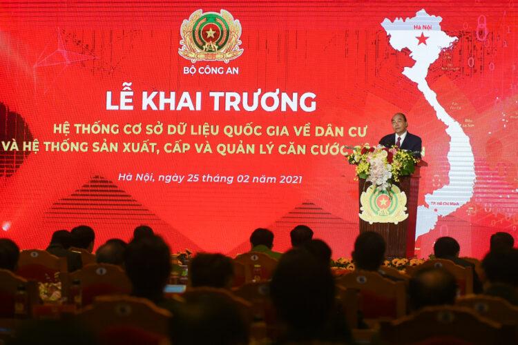 Thủ tướng Nguyễn Xuân Phúc đẩy mạnh Chuyển đổi số trọng việc vận hanh, quản lý dân cư